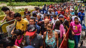 Cabello dice que emigración venezolana no es por culpa de la revolución