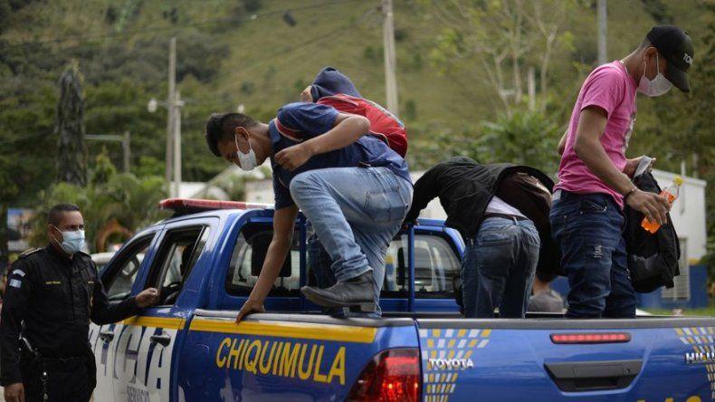 Guatemala advierte de nueva caravana migrante desde Honduras hacia EEUU