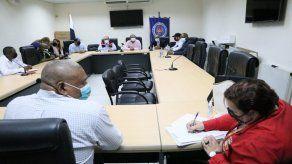 La Defensoría del Pueblo se mantiene como mediadora entre dirigentes del transporte selectivo y la ATTT.