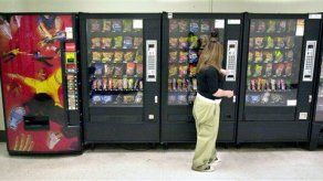EEUU busca sacar comida chatarra de las escuelas