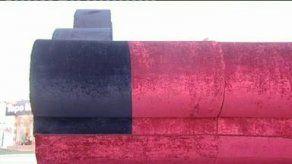Sirios fabrican el sofá más grande del mundo