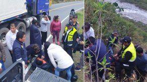 Al menos 10 muertos al desbarrancarse autobús en ruta de Perú