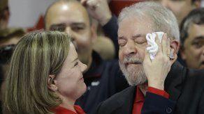 Presidenta de PT de Brasil niega acusaciones de soborno