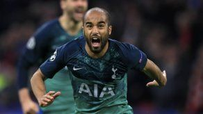 Tripleta de Moura mete a Tottenham en su primera final