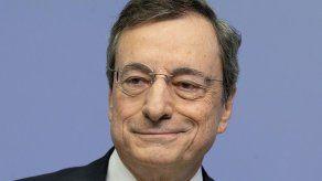 Draghi deja el BCE tras ayudar al rescate de eurozona