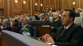 Renuncia primer ministro de Kosovo tras citatorio de La Haya