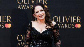 Gloria Estefan rinde tributo al conductor del autobús de su gira tras su muerte