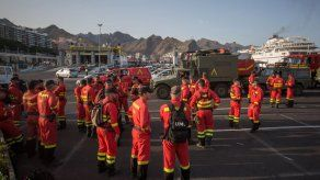 Nuevas evacuaciones en las Canarias por un incendio fuera de control
