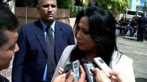 Grupos civiles y políticos piden renuncia de Defensora del Pueblo