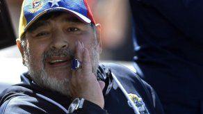 Maradona gana su primer partido con Gimnasia en Argentina