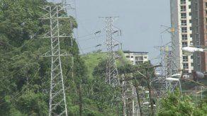 Tarifa eléctrica aumentará para clientes que consuman más de 300 kWh