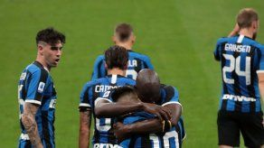 Inter vence a Sampdoria y no renuncia al Scudetto