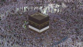 Arabia Saudita recibe a dos millones de peregrinos que viajan a La Meca para el hach