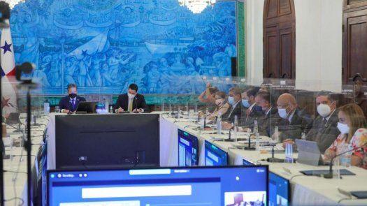 El Consejo de Gabinete.