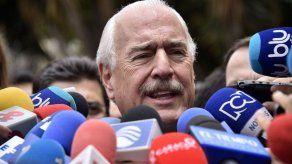 Expresidente colombiano Pastrana niega haber visitado infame isla de Epstein