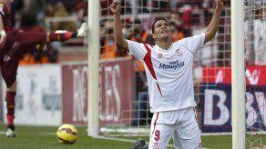 Sevilla gana con gol de Bacca y se mete en Champions de forma provisional