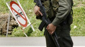 Guerrilla ELN niega que participe en tregua electoral de FARC en Colombia