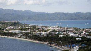 Filipinas cierra la paradisíaca isla de Boracay por contaminación
