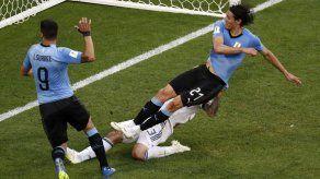 Finalmente Suárez y Cavani anotan en un mismo partido