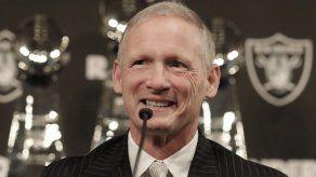 Raiders contrata al analista de TV Mike Mayock como gerente