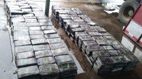 Incautan 531 paquetes de droga