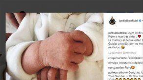 Jordi Alba y Romarey Ventura ya son papás