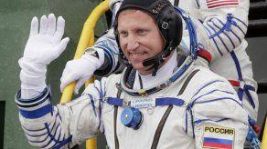 Rusia investiga hueco en nave rusa en la estación espacial