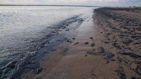 Petróleos de Venezuela rechaza acusaciones sobre crudo en playas de Brasil