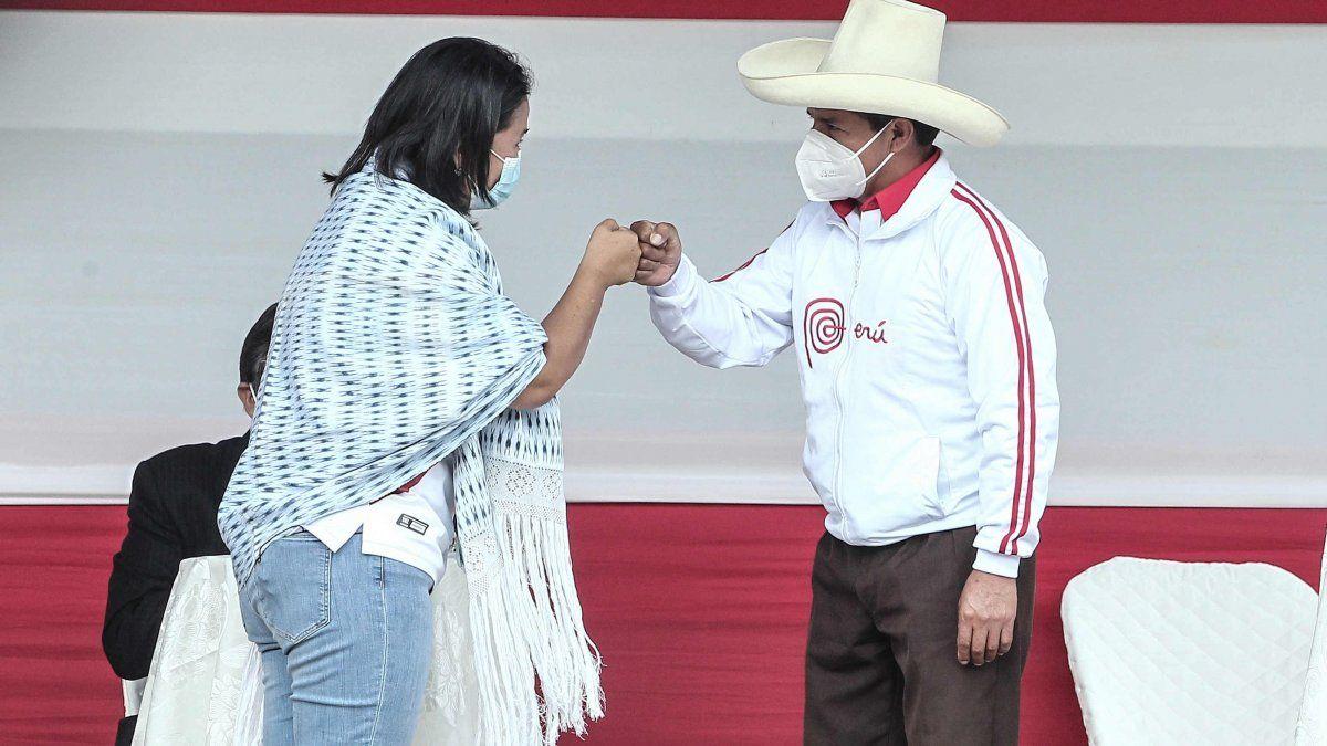 Las regiones que apoyan mayoritariamente a Pedro Castillo son el sur con 45,9 % y el oriente amazónico con 42,3 %, mientras que Keiko Fujimori es seguida en Lima por el 41,7 %, la región y ciudad que concentra a un tercio del electorado nacional.