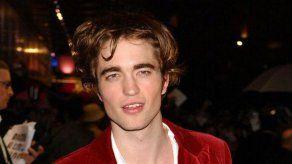 La fotografía que aún atormenta a Robert Pattinson