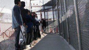 EU: no logran someter a voto propuesta de cerca fronteriza
