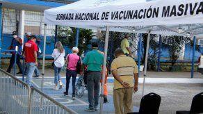 Proceso de vacunación hará un alto por 15 días