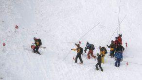 Avalancha sepulta pista para esquiar en Suiza; 2 heridos