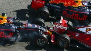 Los Red Bull de Verstappen y Ricciardo mandan en los segundos libres