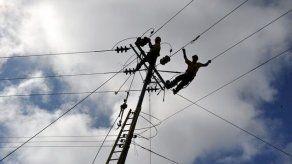 Extienden hasta diciembre el aporte extraordinario en la tarifa eléctrica por COVID-19