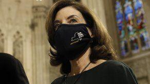 La demócrata Kathy Hochul, actual vicegobernadora de Nueva York, se convertirá en la primera mujer que dirige el estado después de la dimisión del gobernador Andrew Cuomo.