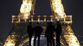 Francia: Asistentes a fiesta clandestina agreden a policías
