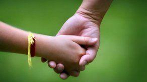 Proyecto de Ley No. 120 sobre Adopciones en Panamá pasa a tercer debate