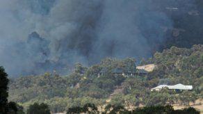 Incendios forestales destruyen 71 casas en Australia