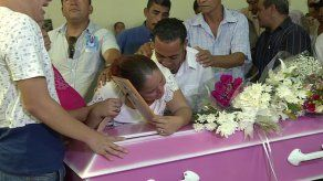 Familiares dieron el último adiós a menor asesinada en La Chorrera