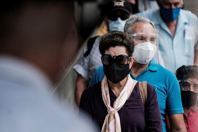 Antes de abril Costa Rica no había contabilizado más de 2.000 casos diarios. Eso terminó en la última semana de abril y la primera semana de mayo