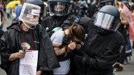 En Alemania los manifestantes salieron a las calles de Berlín el domingo para protestar contra las medidas implementadas por el gobierno alemán a causa de la pandemia de coronavirus.