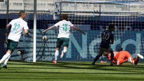 Werder Bremen más cerca del milagro tras ganar al Schalke