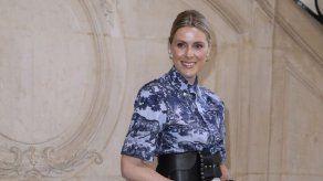 Dior reivindica la solidaridad femenina en su desfile más british
