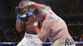 Andy Ruiz arrebata título pesado a británico Anthony Joshua