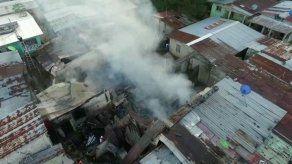 Más de 10 familias afectadas tras incendio en Río Alejandro