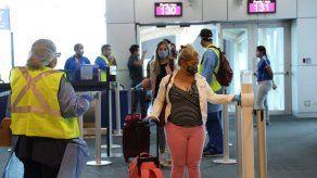 Más de 100 ciudadanos que estaban varados en Colombia llegan a Panamá