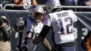 Brady lanza para 3 touchdowns y Patriots ganan a Bears