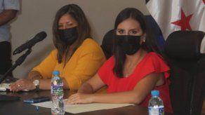 Graciela Mauad (d) y Marlin Tello (i) fueron designadas como directora y subdirectora de la Senniaf por el presidente Cortizo.