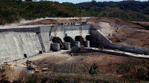 Empresa Genisa alega desconocer razones para parar proyecto Barro Blanco